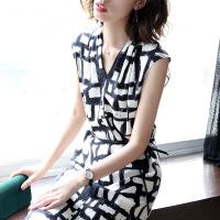 V领桑蚕丝连衣裙女夏2019新款小心机裙子复古显瘦一步裙 黑白格