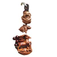 木雕猪手把件 紫珠承运桃木小猪木雕笑脸猪手把件 木猪吊坠项链钥匙扣黑色木猪 BX 猪兔羊三合钥匙扣