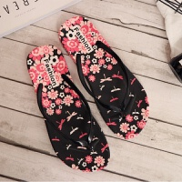 时尚可爱平底防滑人字拖鞋女夏学生浴室平跟洗澡软底夹脚沙滩拖鞋