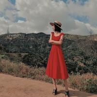 普吉岛沙滩裙女夏泰国三亚海边度假露肩吊带裙超仙气质显瘦连衣裙