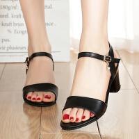 夏季新款粗跟一字扣带露趾高跟女士凉鞋百搭小码罗马中跟女鞋