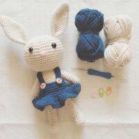 钩针diy材料包毛线手工编织玩偶娃娃情侣兔子自制针织5股牛奶棉线