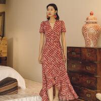 沙滩裙女海边度假显瘦长裙仙泰国三亚巴厘岛海岛复古雪纺连衣裙夏 红妆
