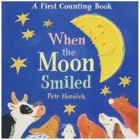 When the Moon Smiled 当月亮微笑的时候 英文儿童绘本 纸板书 3-6岁