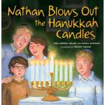 【预订】Nathan Blows Out the Hanukkah Candles
