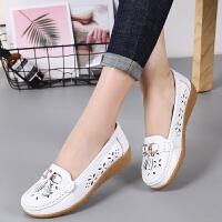 女式 夏季新款牛皮软面镂空坡跟舒适女鞋金属扣休闲鞋